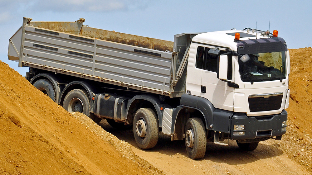 tippers deliver loose aggrgates